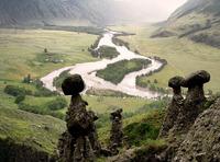 20 снимков уникальных каменных грибов на реке Чулышман