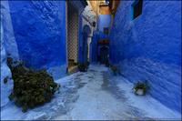 Синий городок, в улицах которого отразились все оттенки неба