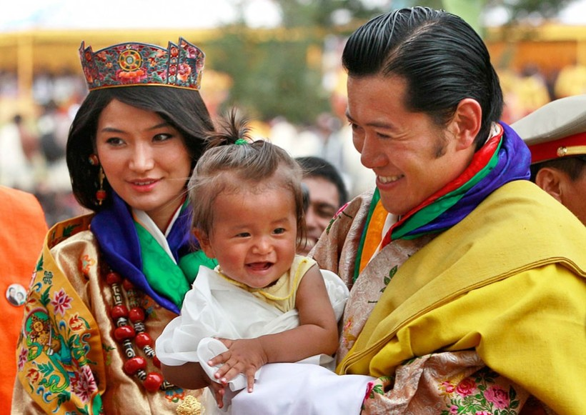 essay on tobacco ban in bhutan Essay on should cigarette smoking be banned the himalayan kingdom of bhutan was the first spring 2015 date: 03/01/2015 should cigarette smoking be banned.