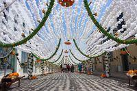 Каждый год этот городок становится феерически красив и приковывает внимание всего мира!