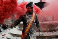 Мучной военный переворот. Очень странный, но веселый фестиваль!