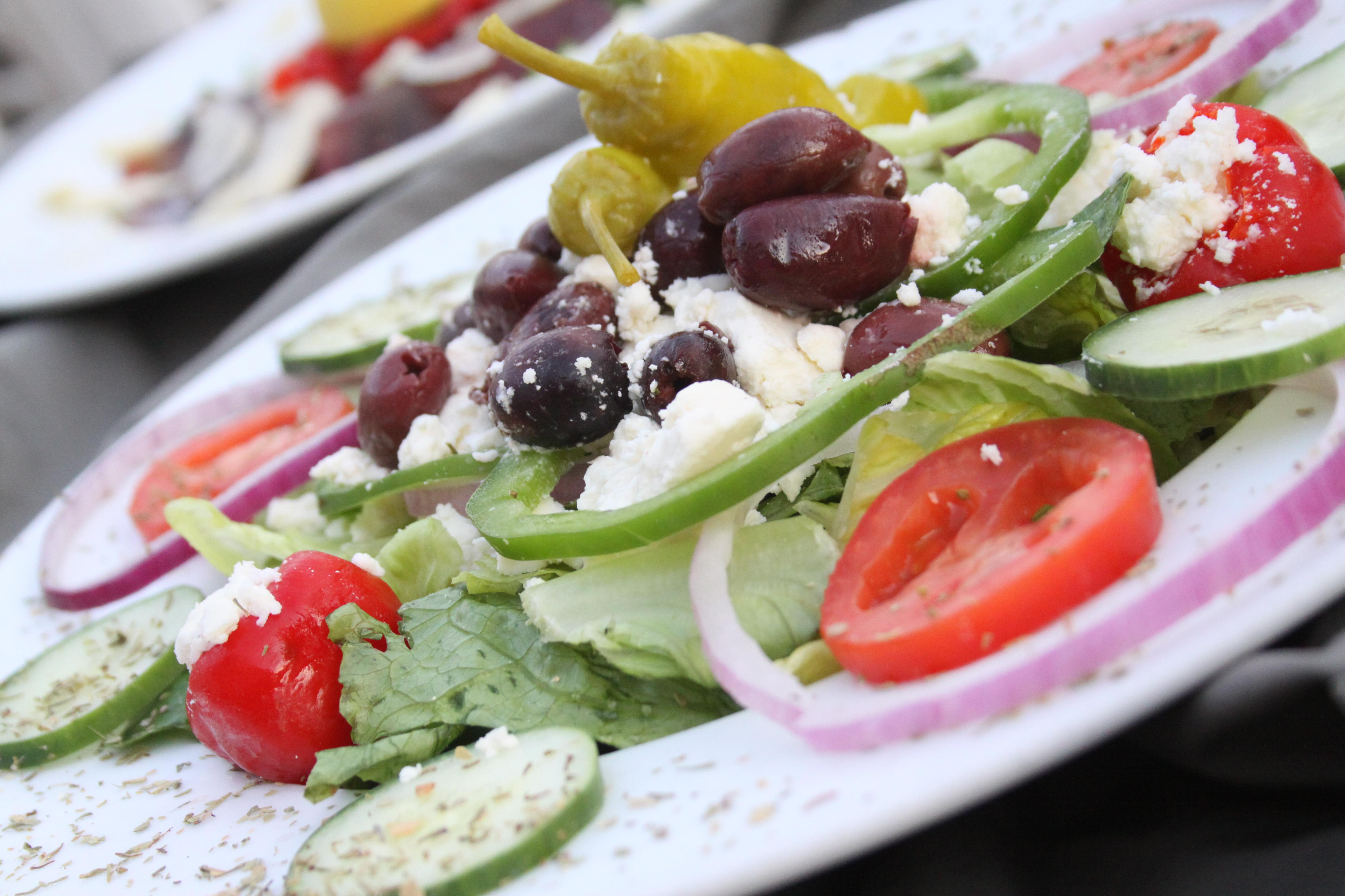 Как готовить салат по-французски