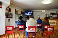 В этой итальянской деревушке реальная жизнь полностью заменяет интернет!