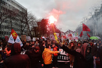 20 драматических снимков недавних протестов во Франции