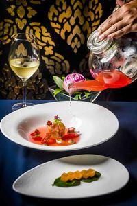 Conrad Koh Samui представляет восхитительное дегустационное меню Journey of Jahn в честь трех наград на конкурсе World Luxury Restaurants Award 2016