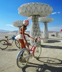 30 свежих фото с самого безумного и ошеломляющего фестиваля планеты Burning Man 2016