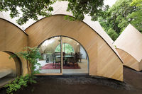 В Японии архитектор построил дом мечты для двух пенсионерок