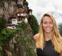 15 ярких снимков из кругосветного путешествия первой женщины на Земле!
