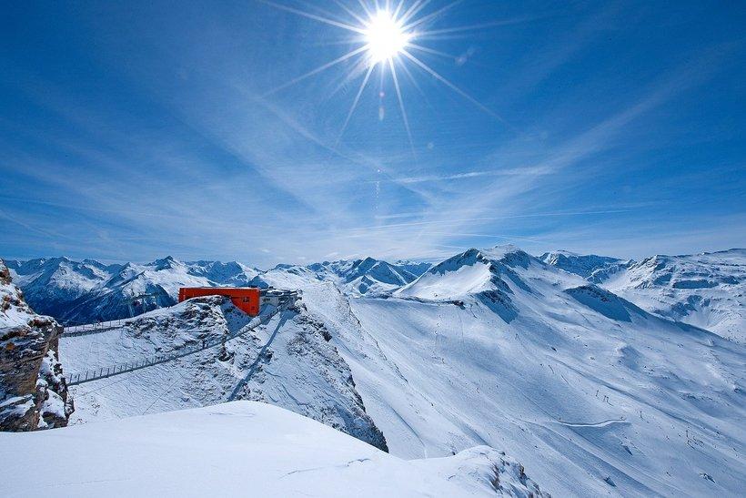 И вот, спустя пару сезонов в подмосковном Дмитрове, мы едем в Австрию –  страну, которая славится своими горнолыжными курортами, притягивающими  тысячи ... 90e1798dbcb