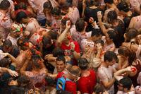 Самый веселый праздник «беснующихся томатов» — Ла Томатина