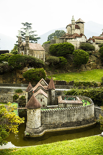 Швейцария в миниатюре и немного о традициях кантона Тичино