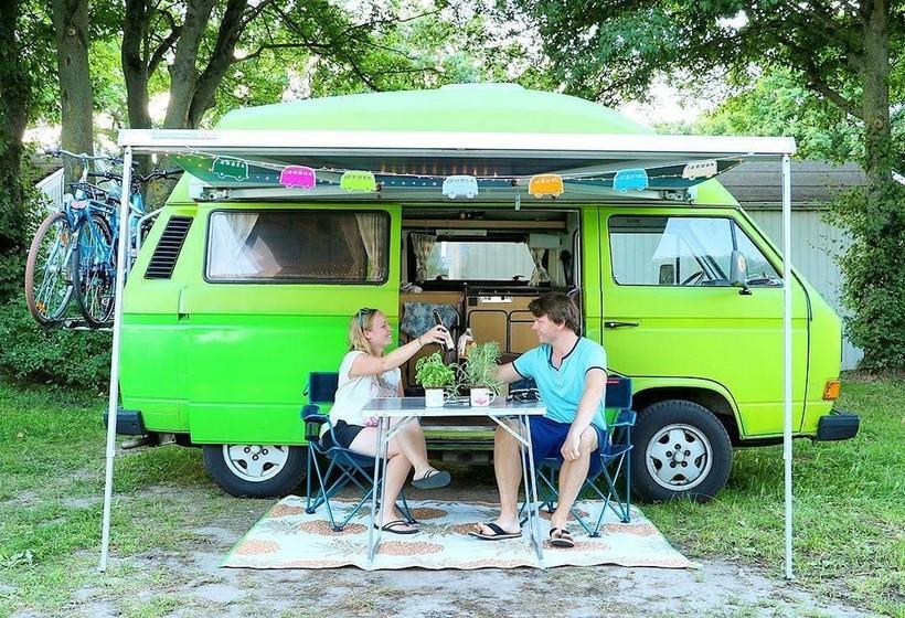 Вдохновляющие снимки путешественников, катающихся по миру в домах на колесах