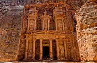 Петра: столица набатеев, вырубленная в скалах