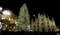 Елка у дворца Duomo, Милан