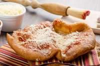 10 популярных пицц разных стран с самой странной начинкой