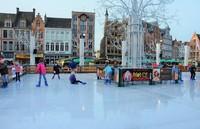 Ледовый каток на рыночной площади Брюгге