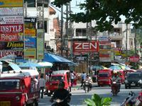 Улица на Пхукете недалеко от пляжа Патонг