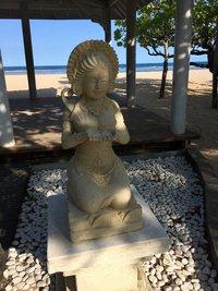 Фигурка на пляже, Бали