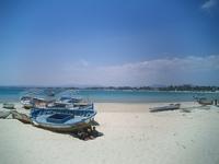 Полуденный зной на тунисском пляже