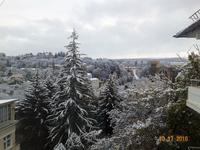 Снег в октябре в Кисловодске. Вид из окна гостиницы.