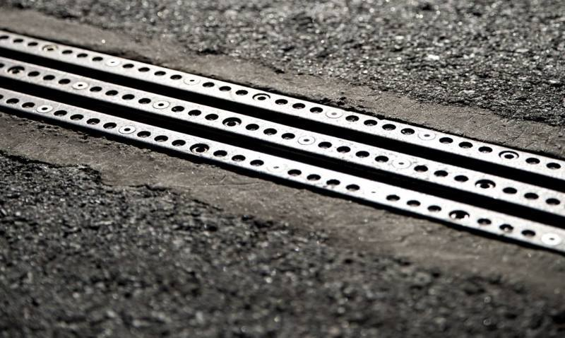 В Швеции появилась дорога, которая заряжает электромобили