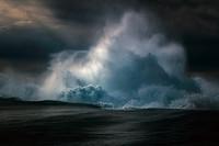 Симфония волн: незабываемые фото океана от Рэя Коллинза