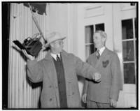 Кто эти элегантные джентльмены: как выглядели фотографы на заре 20 века
