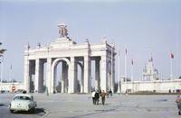 Какой видели Москву иностранные туристы во времена хрущевской оттепели