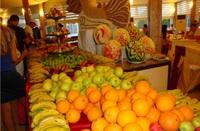 Сезонные фрукты, август