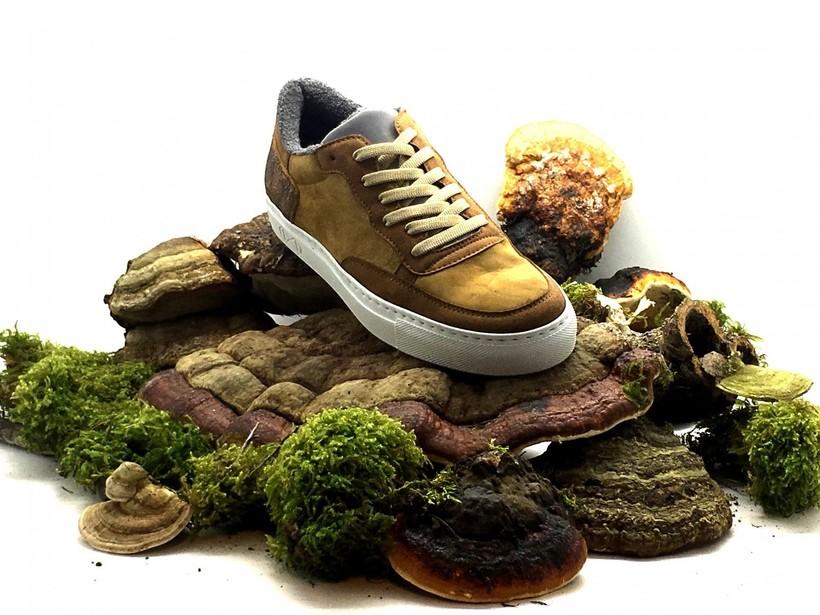 Немецкая компания делает элитную обувь из старых пластиковых бутылок и кофе