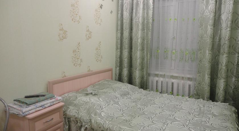 One-Bedroom Apartment in Nizhnekamsk - 2