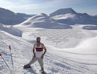 Оказавшись в Сибири, этот британец принялся вытаптывать снег...