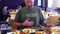 4 килограмма и 6 000 килокалорий: где подают самый сытный завтрак в мире