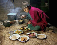 Люди из разных стран мира, показали, что и в каком количестве они съедают за день