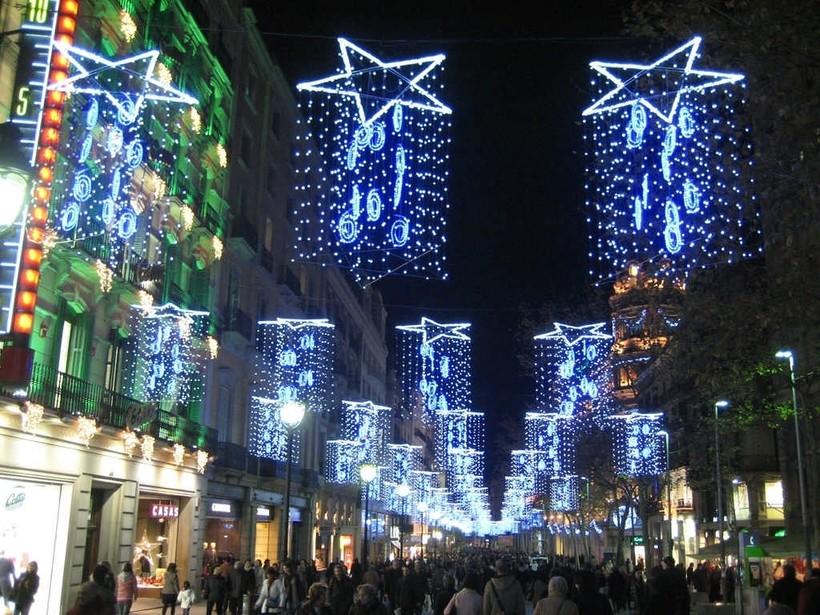 Новогодние улицы Барселоны, декабрь 2017