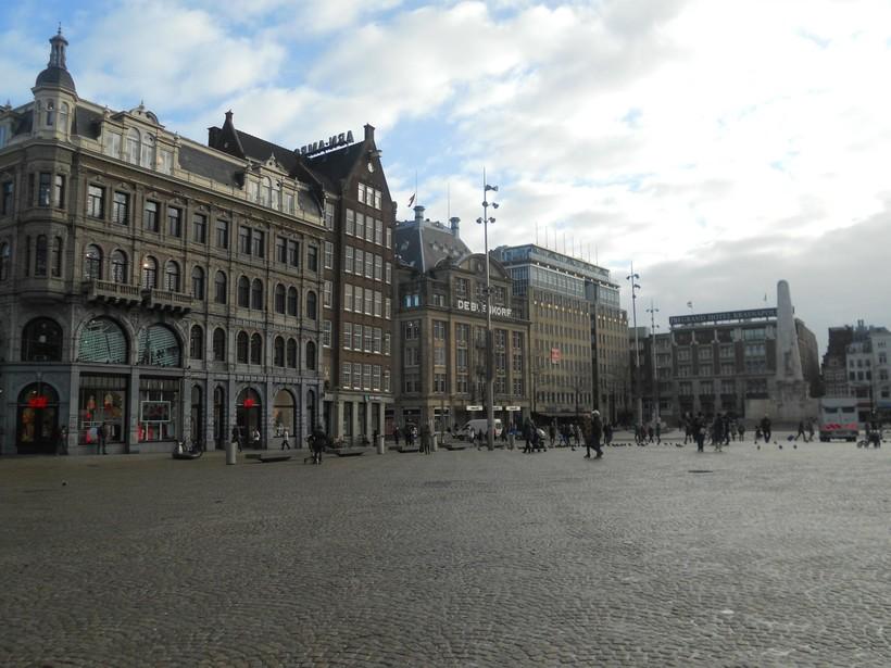 Центральная Площадь Дам, Амстердам