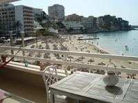 Вид на пляж из ресторана
