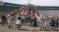 Хрущевская оттепель на деле: 34 000 иностранцев на фестивале в Москве в 1957 году