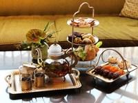 Королевский прием от отелей Conrad и Waldorf Astoria