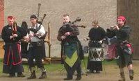 Уличные музыканты на рыцарском турнире