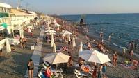 Пляж в июле в Адлере