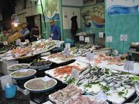 Я на рыбном рынке в Неаполе