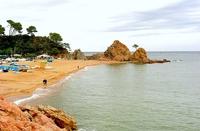 Пляж в окрестностях Испании