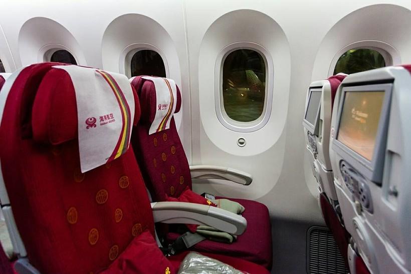 салон самолёта Hainan Airlines