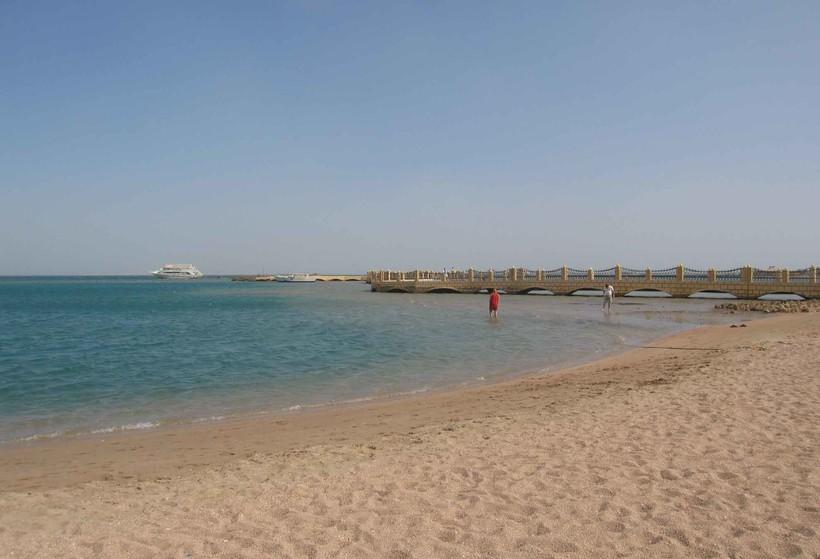 Пляж отличный. Никто не купается.