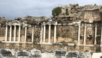 Храм Аполлона. Развалины амфитеатра.