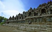 Боробудур в Индонезии: храм, который простоял под слоем пепла несколько веков