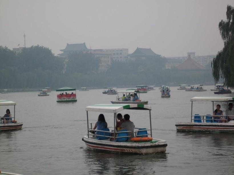 В августе в Пекине часто пасмурно и душно
