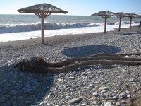 Пустынные пляжи Лазаревского в апреле