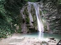 Отправляйтесь на водопады, пока нет летнего зноя
